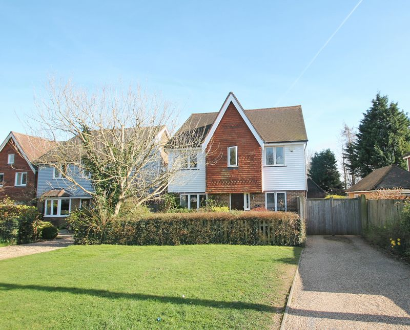 5 Bedrooms Property for sale in Maidstone Road, Matfield