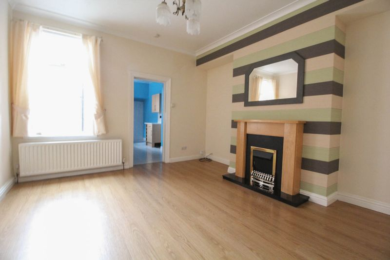 5 Bedrooms Flat for sale in Stanhope Road, South Shields