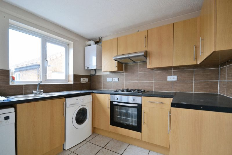 3 Bedrooms Detached House for sale in Appleford Drive, Minster