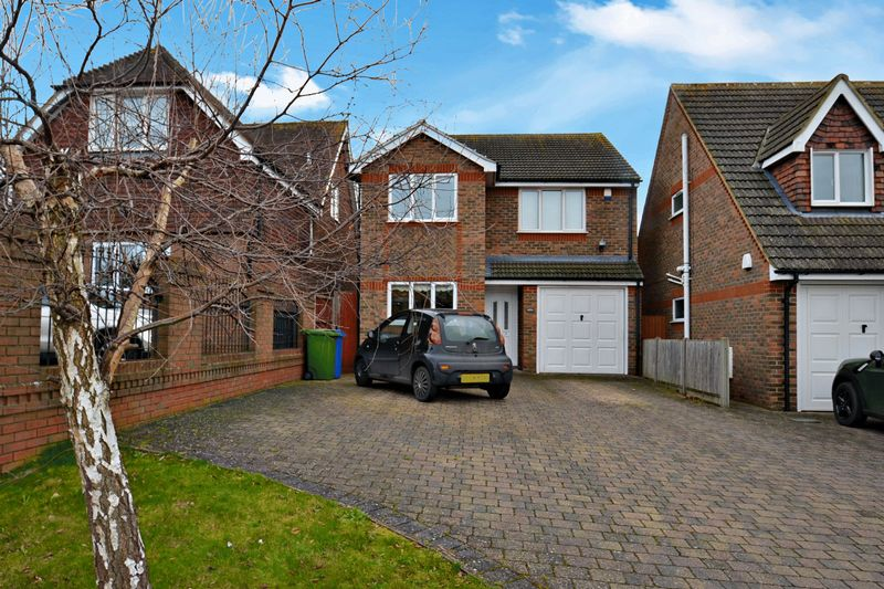 4 Bedrooms Detached House for sale in Minster Road, Minster