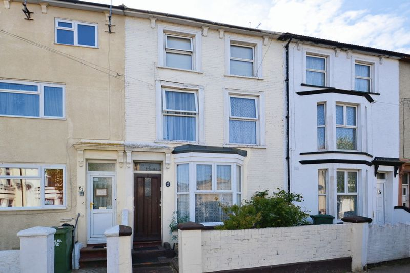 6 Bedrooms Terraced House for sale in HMO, Alma Road, Sheerness
