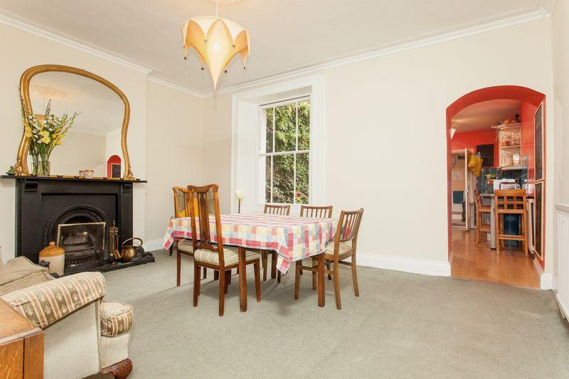 4 Bedrooms Terraced House for sale in Bellevue Crescent, Bristol