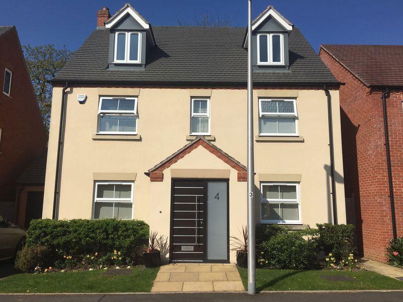 5 Bedrooms House for sale in Market Way, Henley-In-Arden
