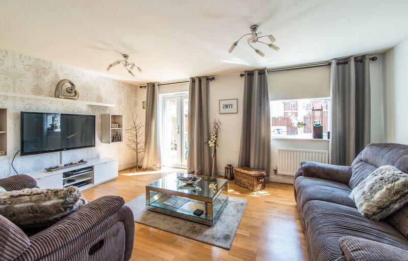 3 Bedrooms Terraced House for sale in Juno Way, Wainscott, Kent, ME3