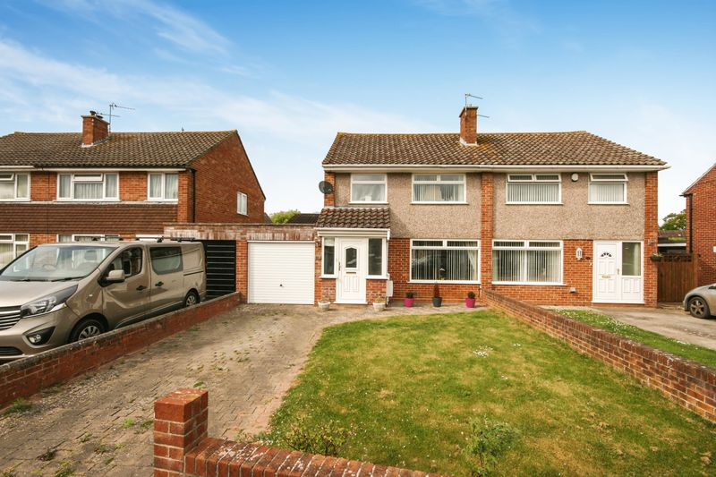 3 Bedrooms Semi Detached House for sale in Holford Road, Bridgwater