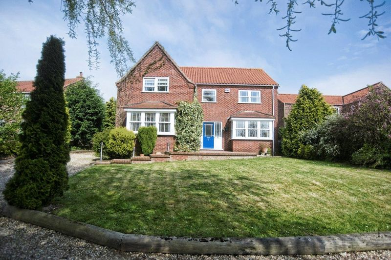 4 Bedrooms Detached House for sale in Main Street, Saxby-all-Saints, DN20