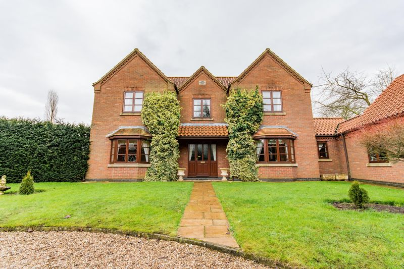 4 Bedrooms Detached House for sale in Haytons Lane, Appleby, DN15