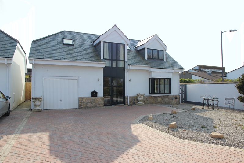 3 Bedrooms Detached House for sale in Little Trenethick Lodge, Mount Hawke