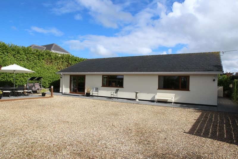 3 Bedrooms Detached Bungalow for sale in West Road, Newquay