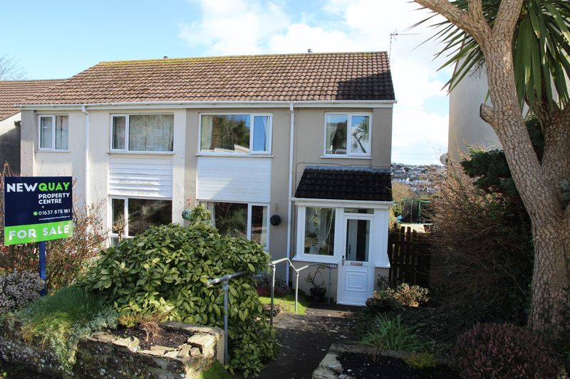 3 Bedrooms Semi Detached House for sale in Clifden Close, Newquay
