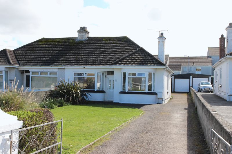 3 Bedrooms Semi Detached Bungalow for sale in Bonython Road, Newquay