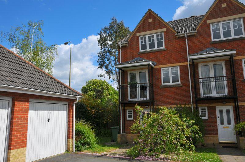 4 Bedrooms Semi Detached House for sale in Meyseys Close, Headington