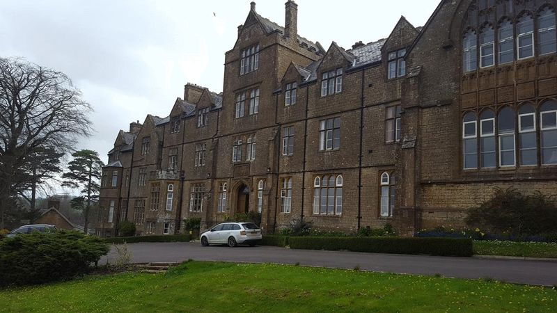 1 Bedroom Flat for sale in De Combe House, Crewkerne