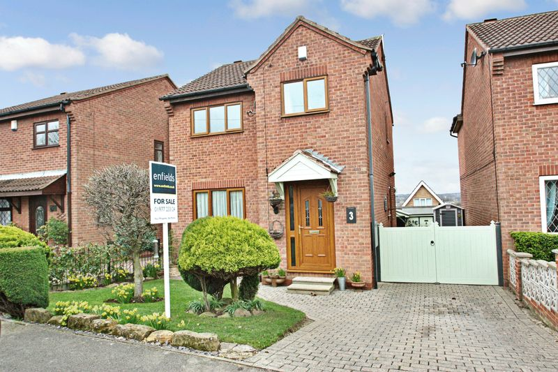 3 Bedrooms Detached House for sale in Sandford Road, South Elmsall