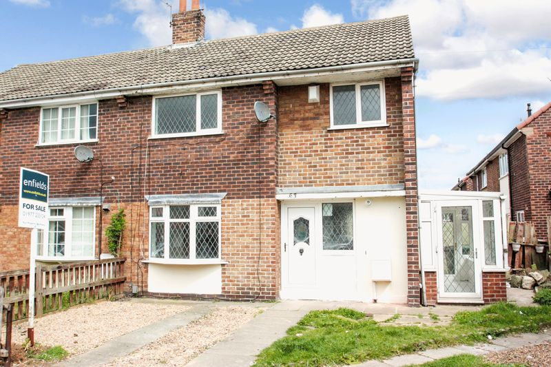 3 Bedrooms Semi Detached House for sale in Keswick Drive, Castleford