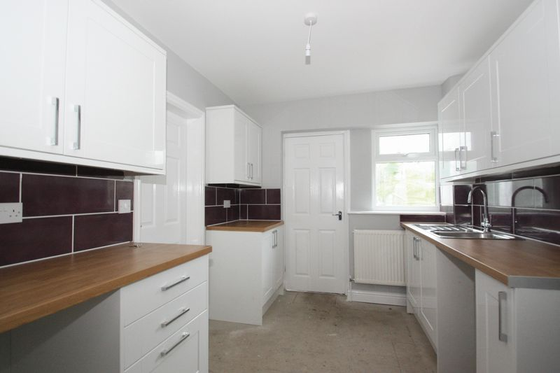 3 Bedrooms Semi Detached House for sale in Hazel Road, Knottingley