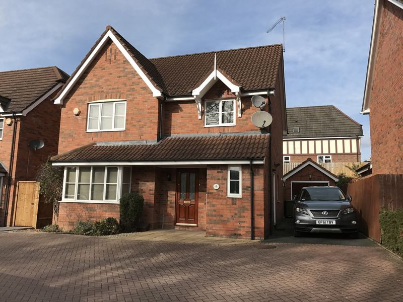 4 Bedrooms Detached House for sale in Kinver Drive, Hagley