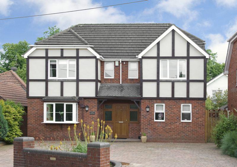 5 Bedrooms Detached House for sale in Stakenbridge Lane, Hagley