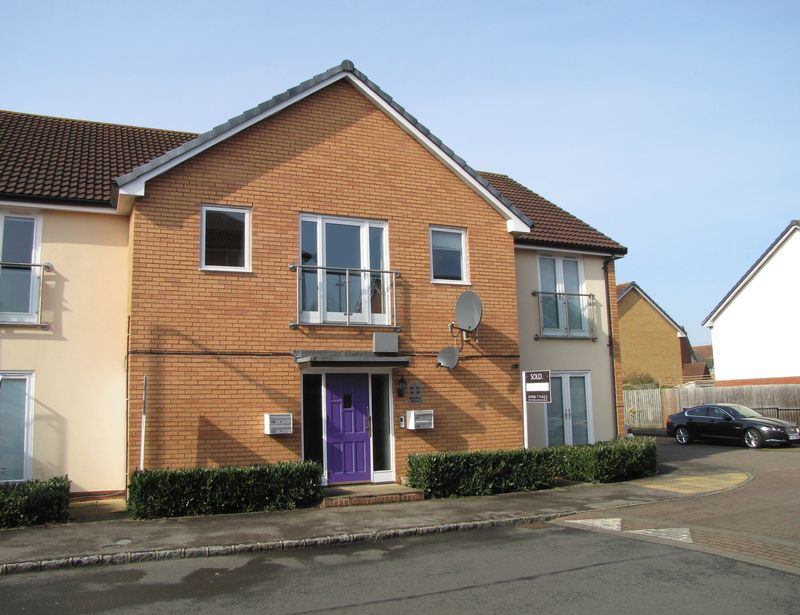 2 Bedrooms Flat for sale in Bewdley Grove,