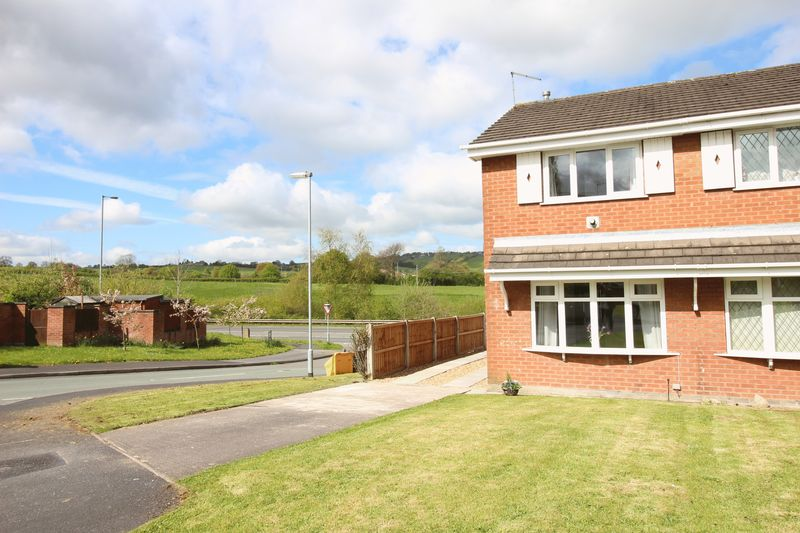 2 Bedrooms Semi Detached House for sale in 1 Banbury Grove, Biddulph, Staffordshire, ST8 6AE