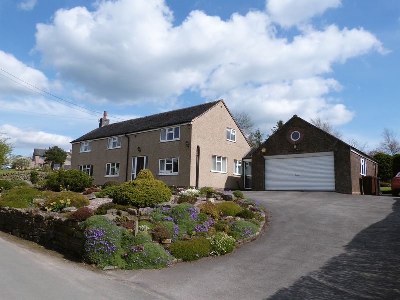 3 Bedrooms Detached House for sale in Hot Lane, Biddulph Moor, Staffordshire, ST8 7JT