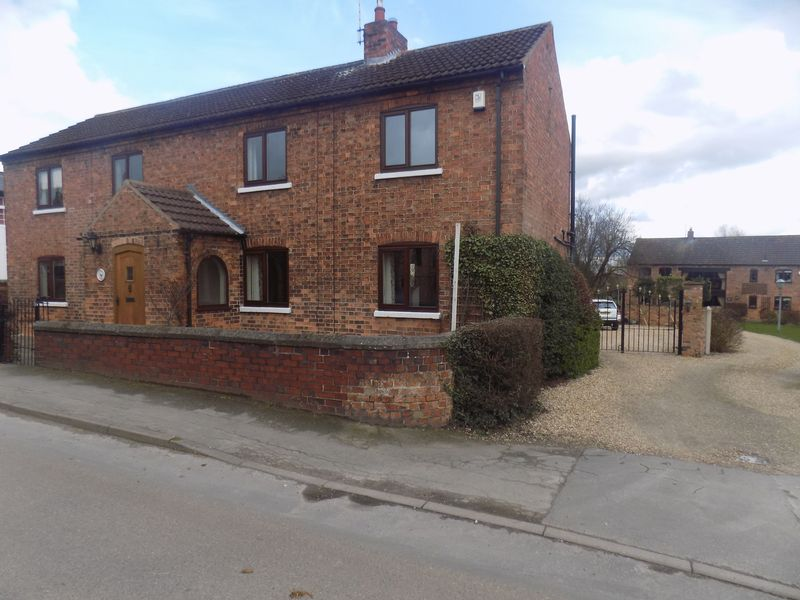 4 Bedrooms Detached House for sale in Town Street, Lound