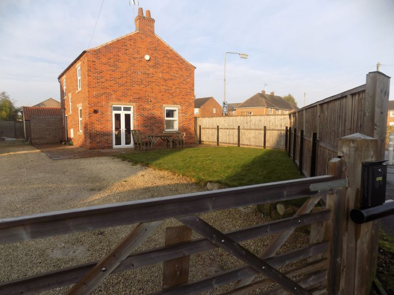 3 Bedrooms Detached House for sale in Alma Road, Retford