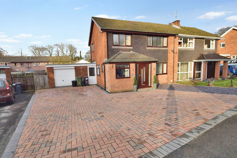 4 Bedrooms Semi Detached House for sale in Glan Y Nant Close, Ty Coch
