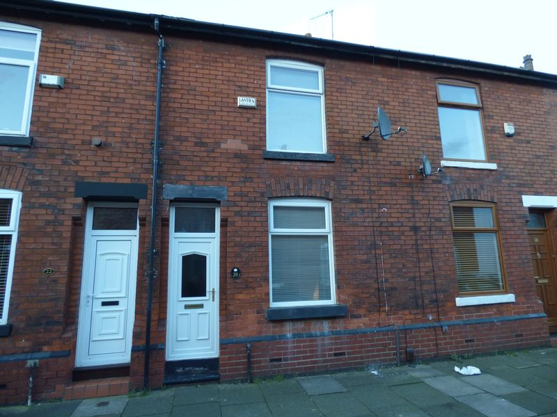 2 Bedrooms Terraced House for sale in Elizabeth Street, Manchester