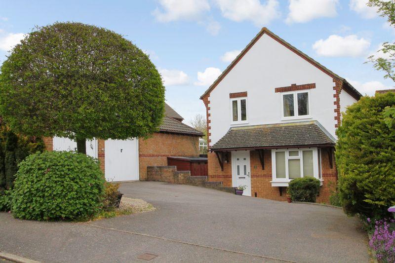 4 Bedrooms Detached House for sale in Lyminge