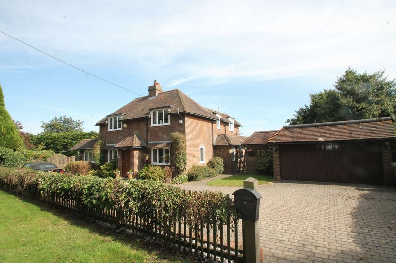 4 Bedrooms Detached House for sale in Selsted