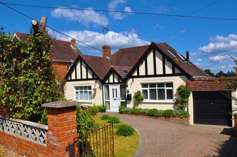 4 Bedrooms Detached Bungalow for sale in Rooksbury Road, Andover