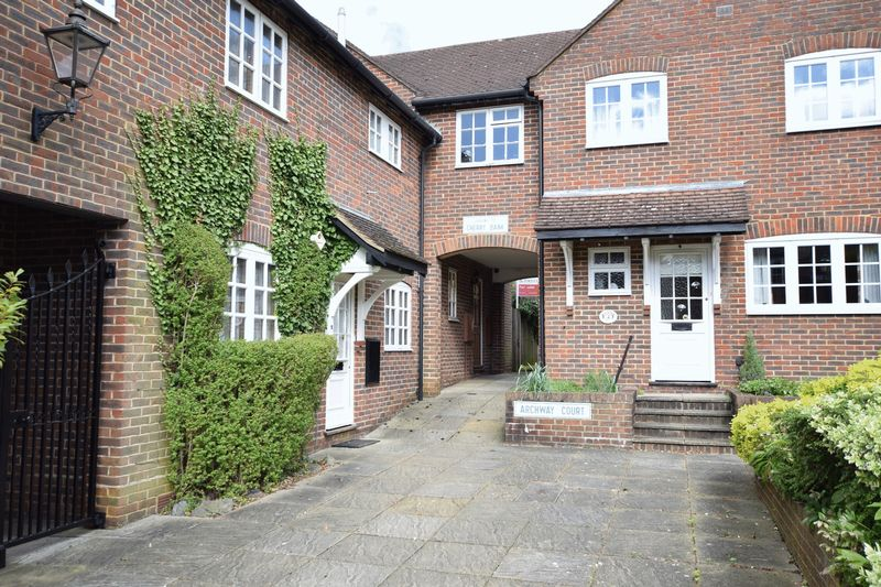 3 Bedrooms Mews House for sale in PRIVATE MEWS DEVELOPMENT IN THE OLD TOWN