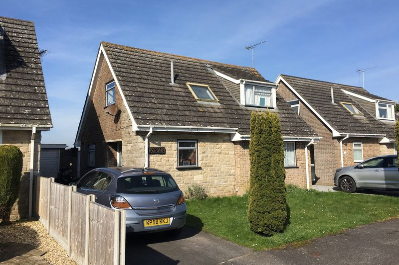 3 Bedrooms Detached House for sale in Wool