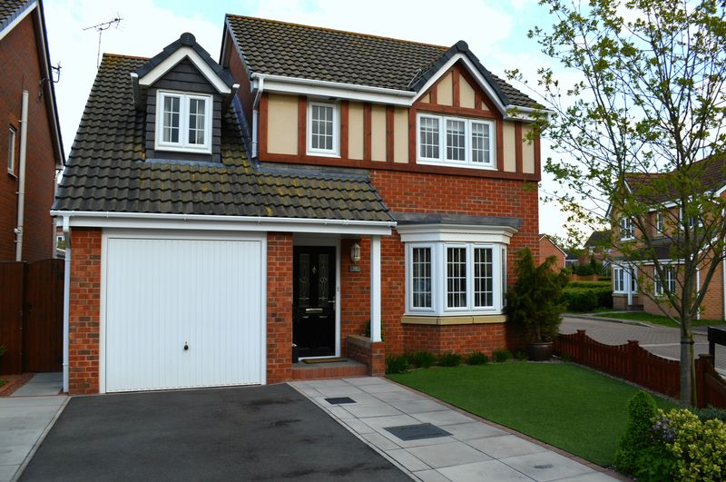 4 Bedrooms Detached House for sale in Claudius Road, NORTH HYKEHAM