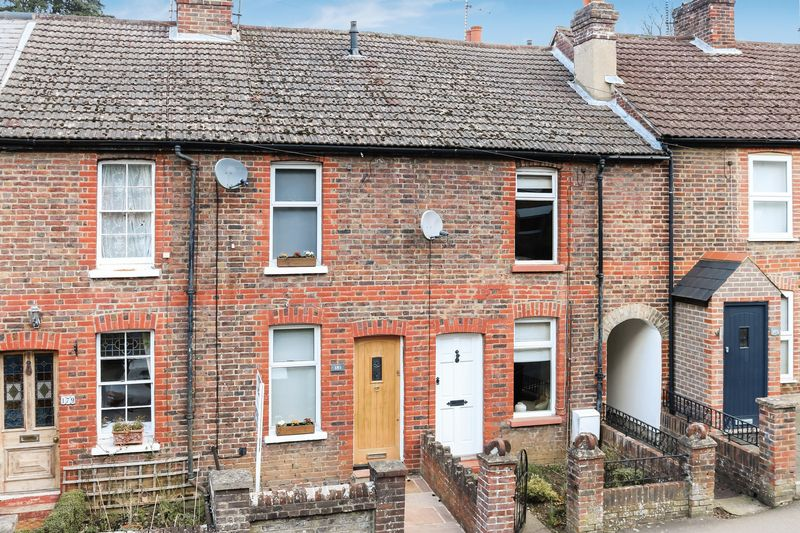 2 Bedrooms House for sale in Godalming