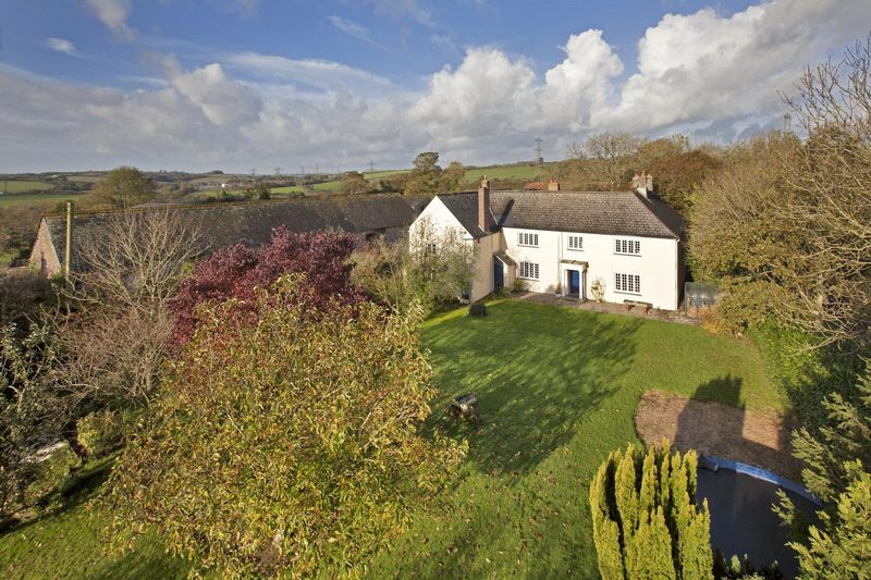6 Bedrooms Detached House for sale in Landulph, Saltash