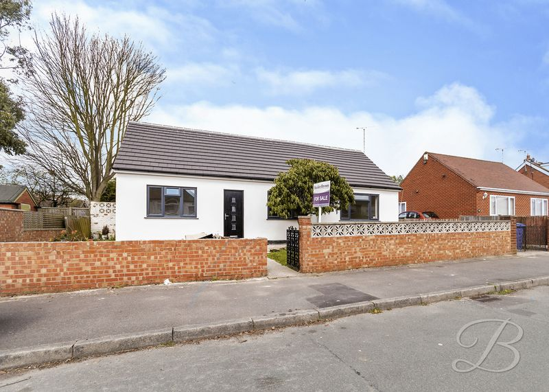 4 Bedrooms Detached Bungalow for sale in Woodland Drive, Mansfield