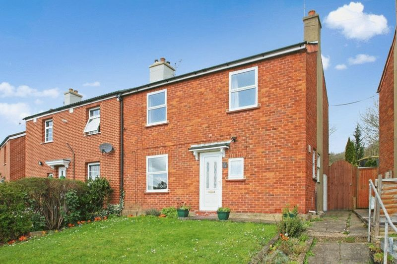 2 Bedrooms Semi Detached House for sale in Cherry Street, High Wycombe