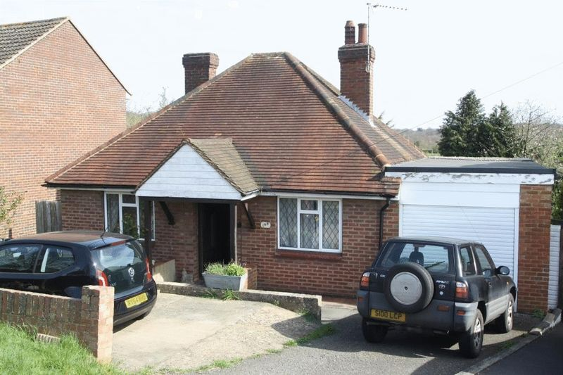 3 Bedrooms Detached Bungalow for sale in Hatters Lane, High Wycombe