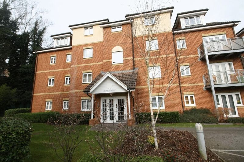 2 Bedrooms Flat for sale in Bowley House, High Wycombe