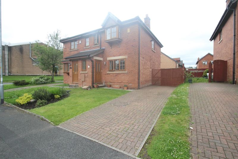 3 Bedrooms Semi Detached House for sale in Blackthorn Mews, Shawclough, Rochdale OL12 6XR