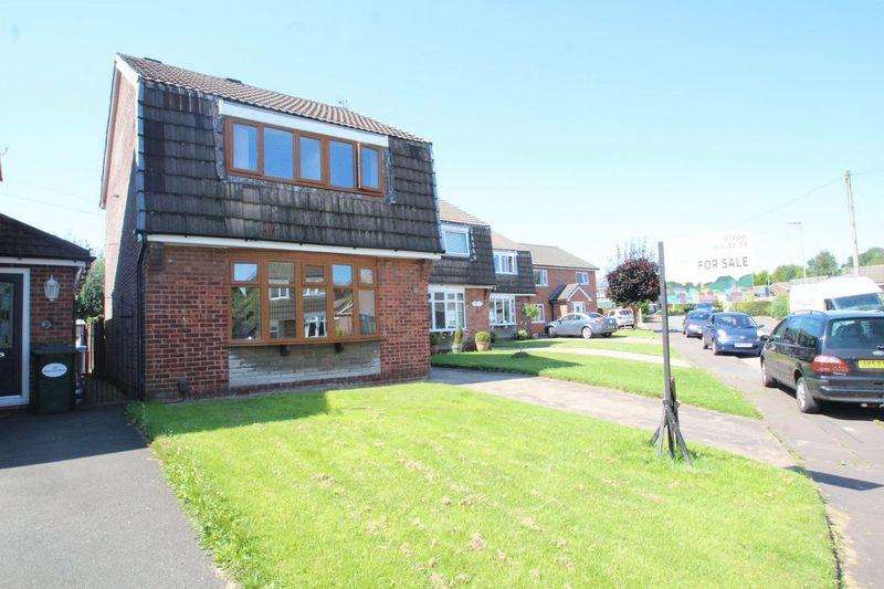 3 Bedrooms Property for sale in Sherwin Avenue, Castleton, Rochdale OL11 2UZ