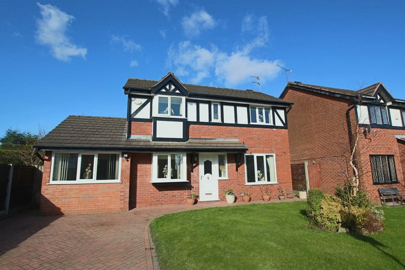 4 Bedrooms Property for sale in Woodbridge Gardens, Shawclough, Rochdale OL12 6XY