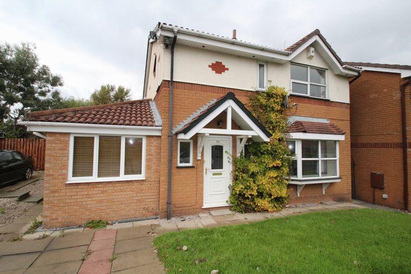 4 Bedrooms Property for sale in Elmsfield Avenue, Norden, Rochdale, OL11 5XA