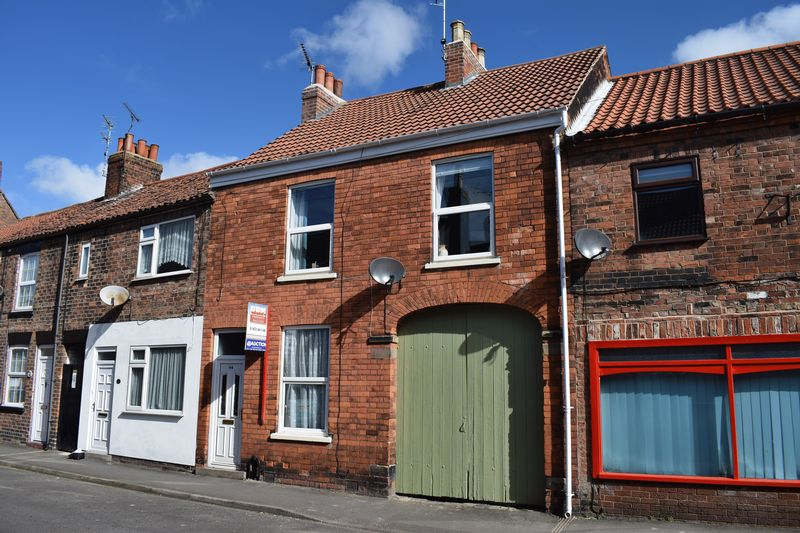 3 Bedrooms Terraced House for sale in Newport, Barton Upon Humber