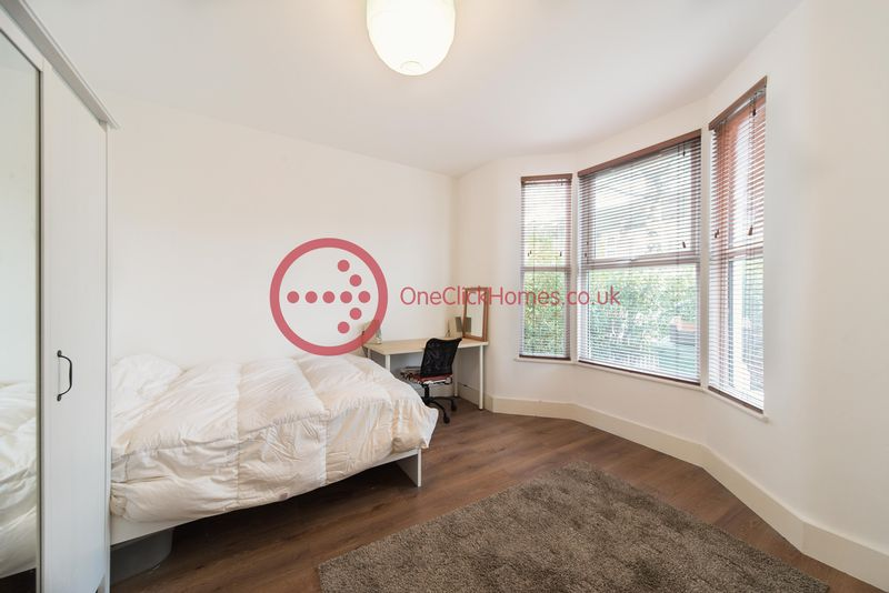 4 Bedrooms Terraced House for sale in Madeira Road, London