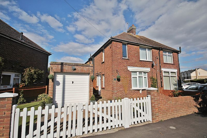 3 Bedrooms Semi Detached House for sale in Westoning