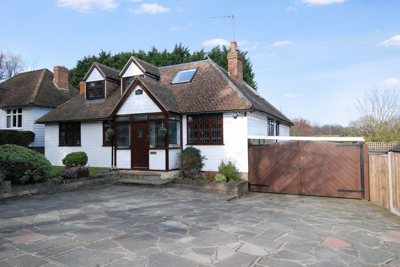 4 Bedrooms Detached House for sale in Rock Hill, Orpington