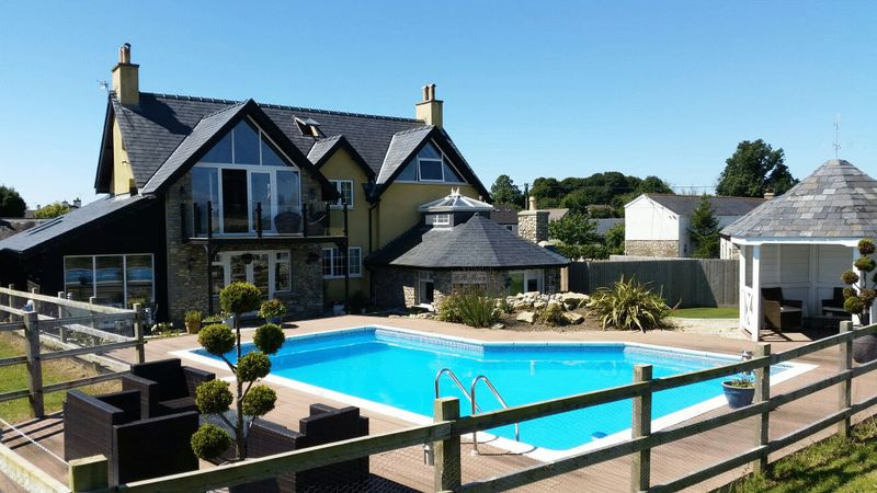 5 Bedrooms Detached House for sale in St Giles House, Brook Farm, Llanmaes, CF61 2ZB
